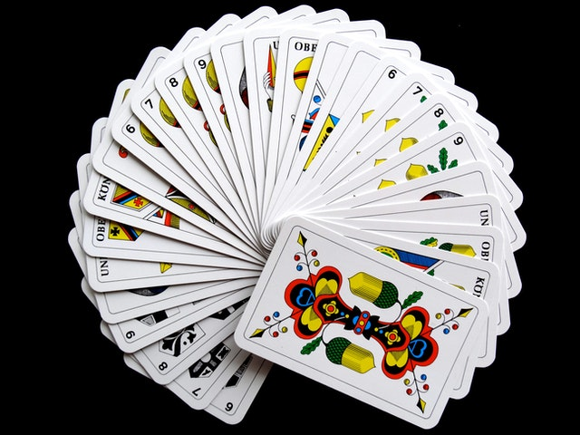 Play Online Casino Games Without Dangers